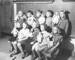 Children with hand-puppets, probably hand made (1937) courtesy of Minnesota Historical Society